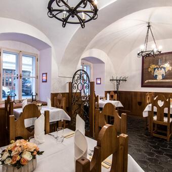 Naivní Restaurant